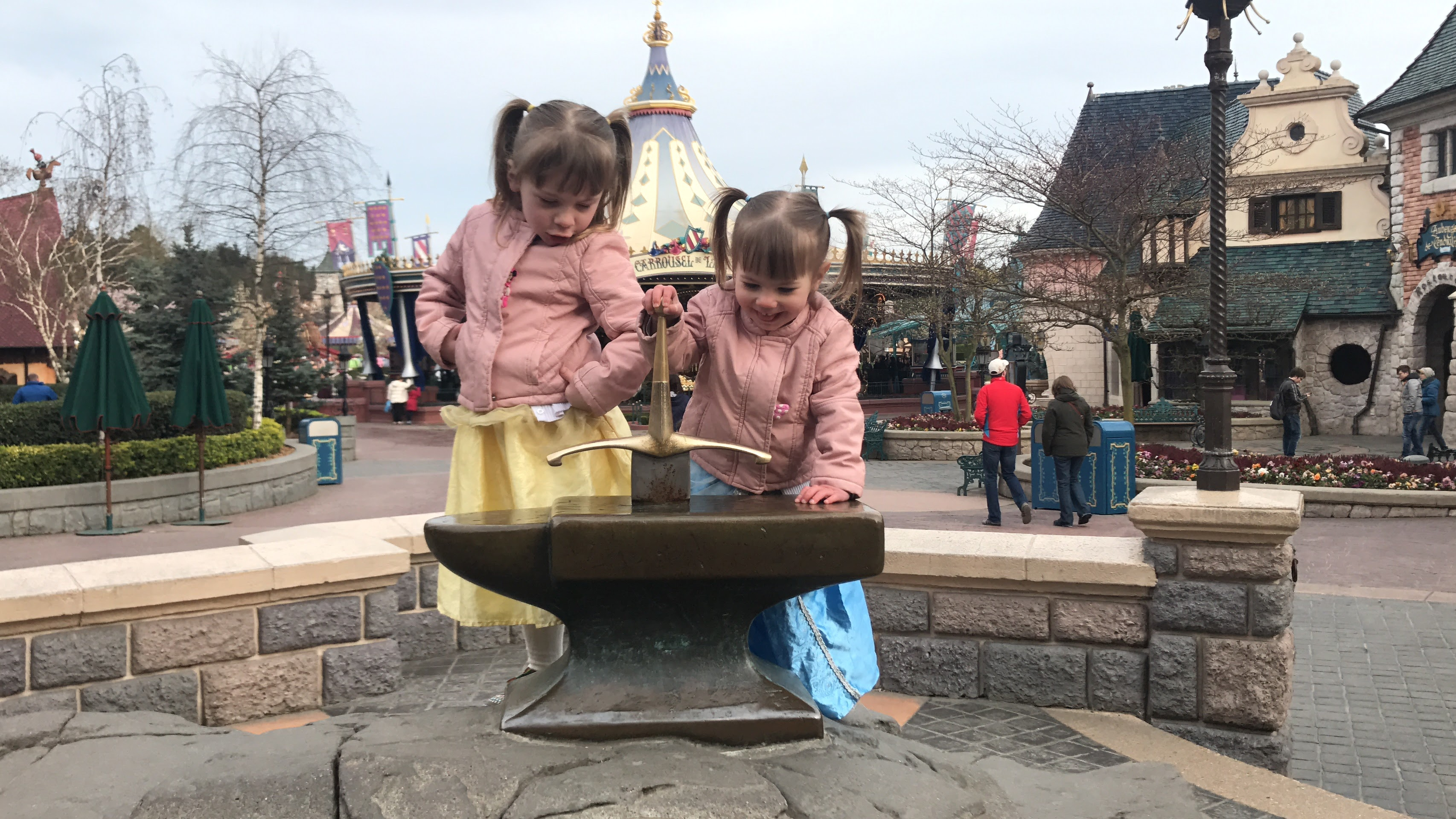Looking for the best Disneyland Paris information? Check out these places!